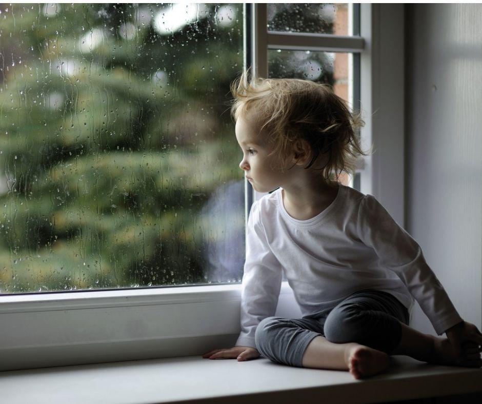 Klasa wodoszczelności informuje o szczelności okna na wodę opadową.
