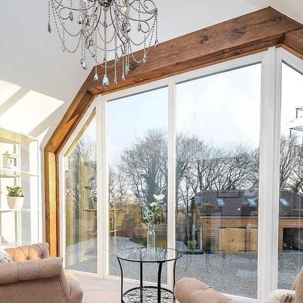 Wyjątkowe kształty okien drewnianych to m.in. konstrukcje trapezowe.